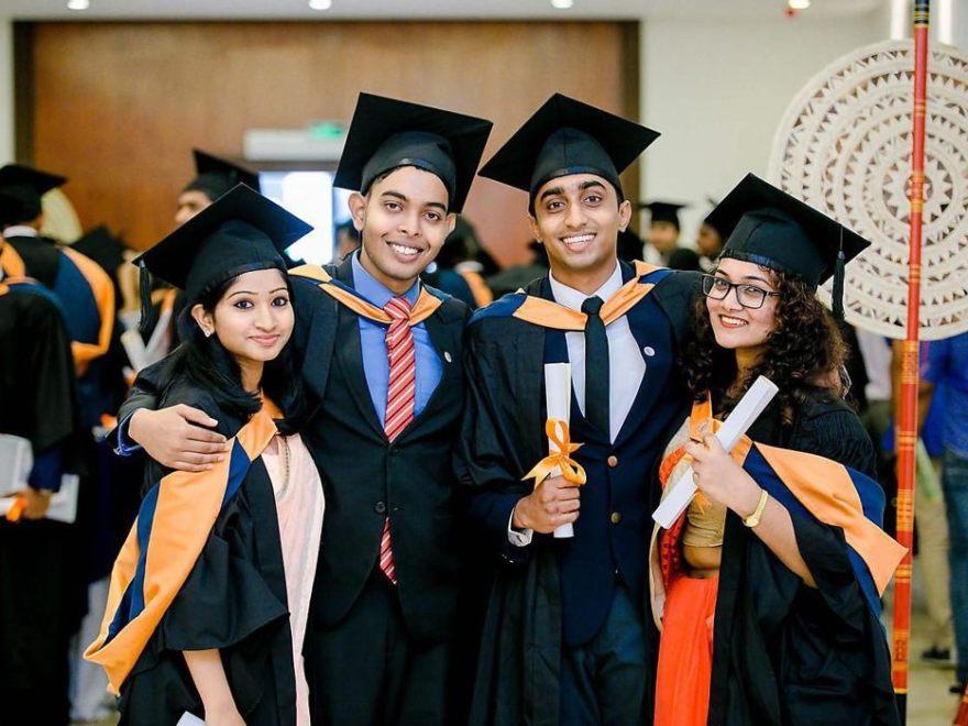 Enim alumni studere foris Scholarship Indian