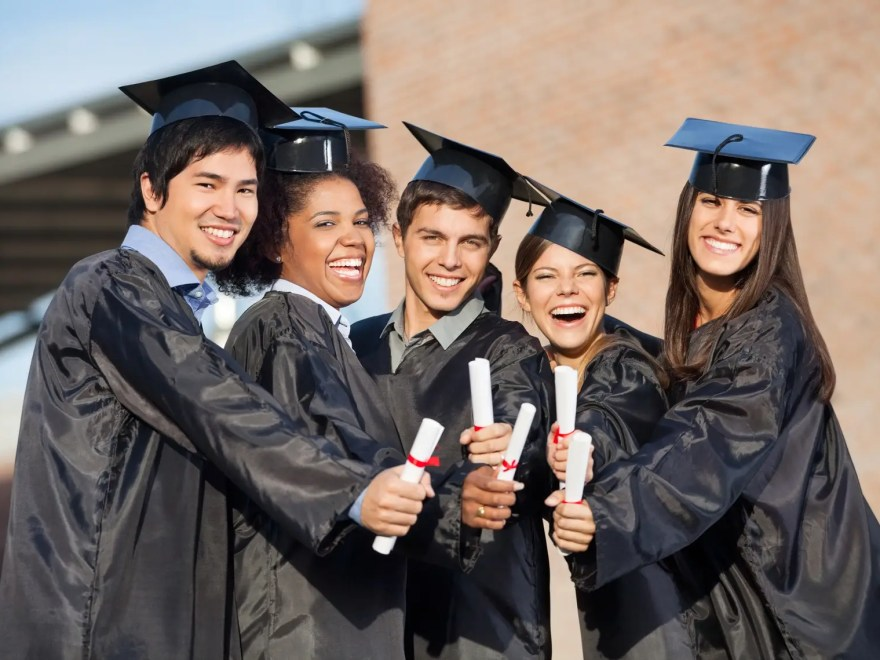 Universities That Offer Full Scholarships To International Students