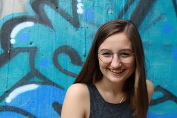 Meet Allison O'Connor, the Stand-out Stand-up Student Comedian