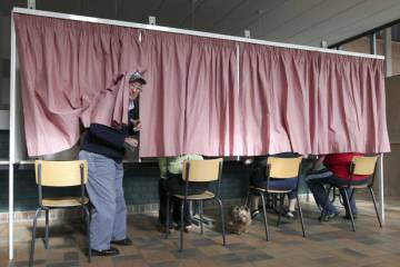 Allowing uninformed voting isn't just irresponsible, it's reckless.
