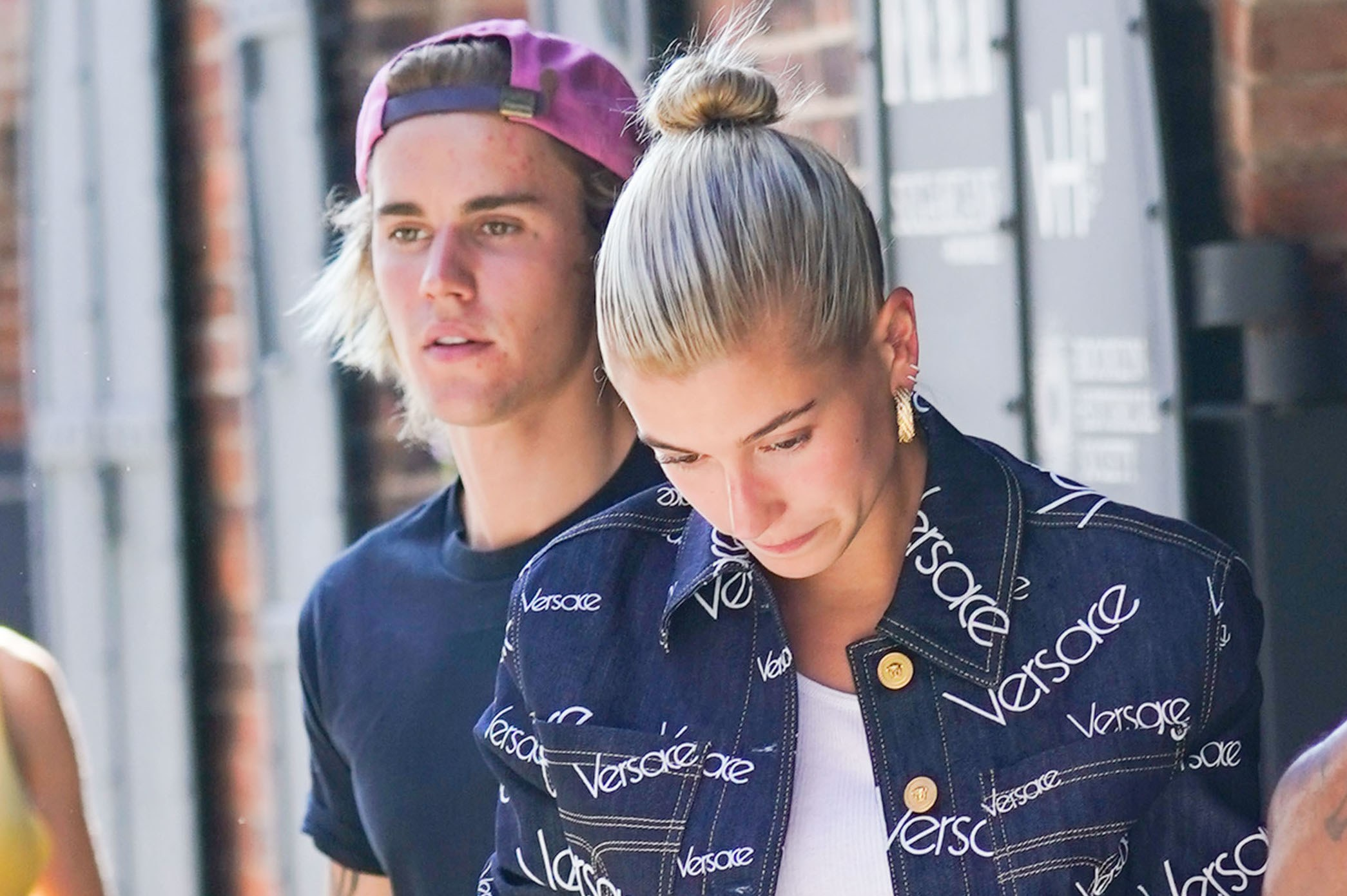 Who is justin bieber dating now 2019 album