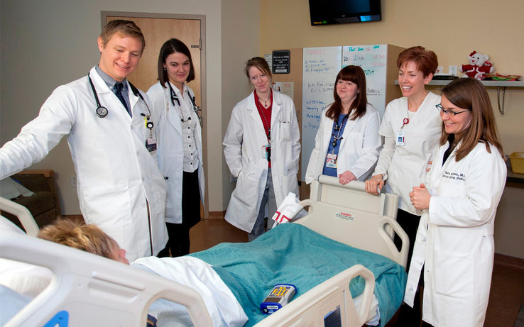 Why choose Russia for studying medicine abroad? - Moscow Academy of  International Education