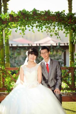 Study Links Alumni Student Dominic's baby & wedding with wife Yureka (3)