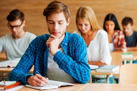 Year 12 คะแนนไม่ดี ยังอยากเข้ามหาวิทยาลัยดี ๆ ที่อังกฤษ ต้องทำยังไง ?