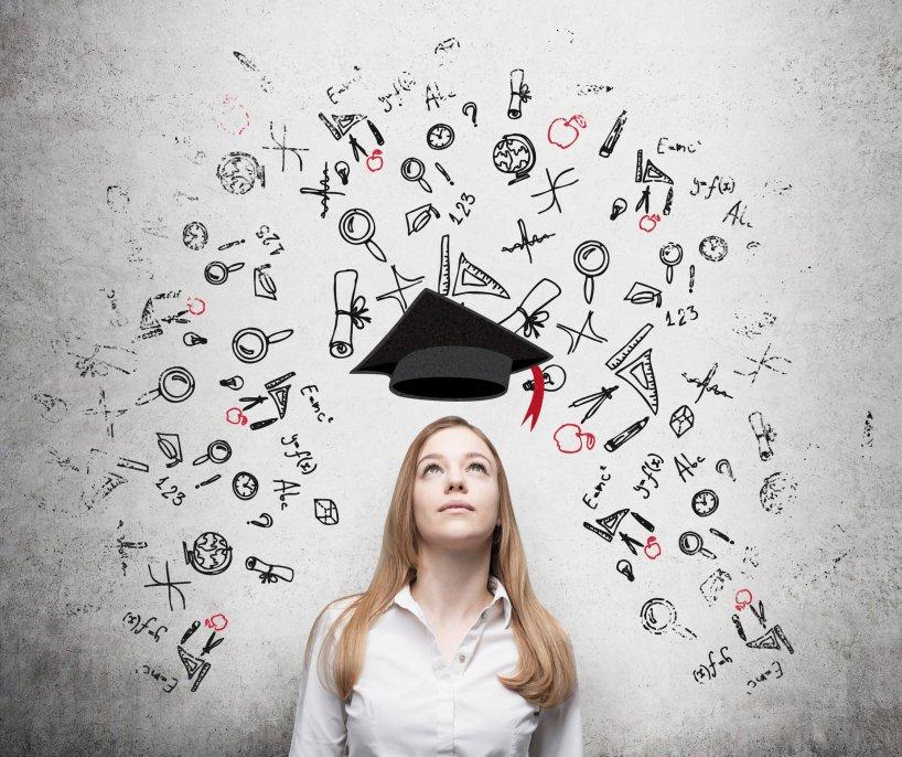 เรียนต่ออะไร ? สถิติสำคัญจาก UCAS เกี่ยวกับสิ่งที่มีผลต่อการตัดสินใจ