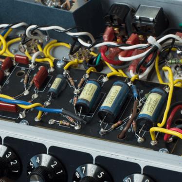 Fender 64 Custom Deluxe Reverb Amplifier  Fender Amps