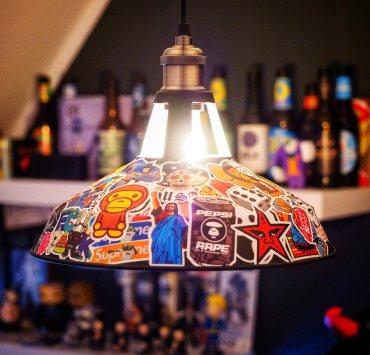 Stickerbomb Lampe
