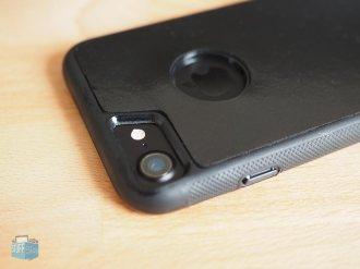 Force Case Aussparung für Kamera & LED