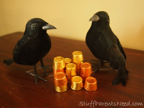 crows with shiny objects