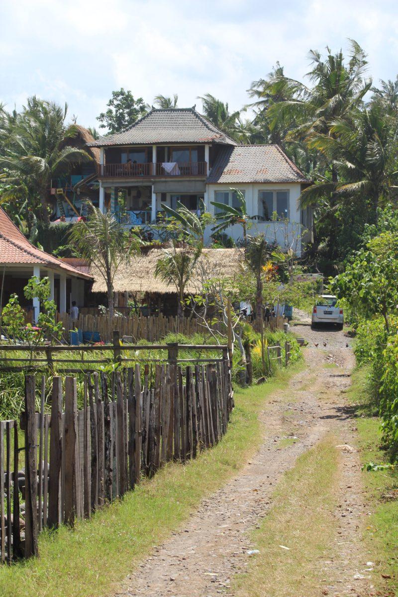 Dikaloha House
