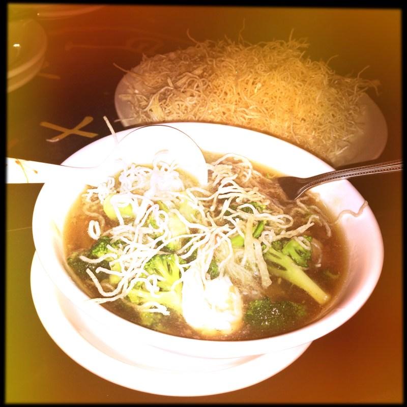 Crispy noodle soup