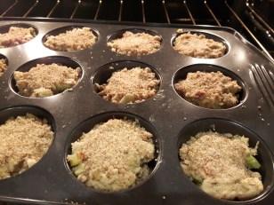 rhubarb streusel muffins 2