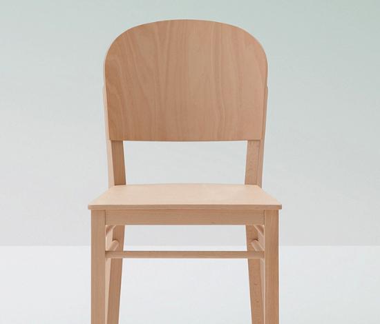 B Serie Stuhl Aloe Bild 2