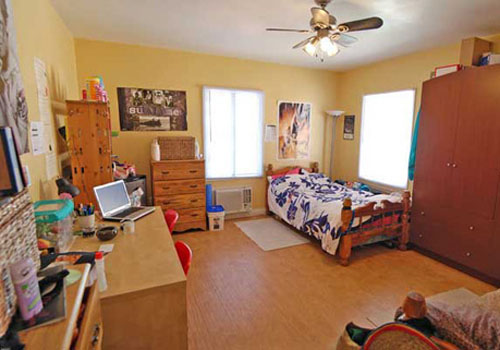 USC Student Housing  1283 W 36th St 90007  USC Apartment