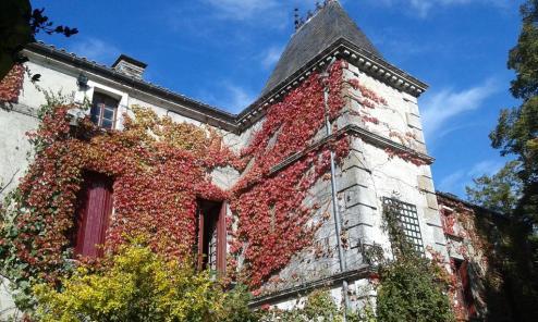 La Vue France - La Cure de Maines Charles - stujarvis.com