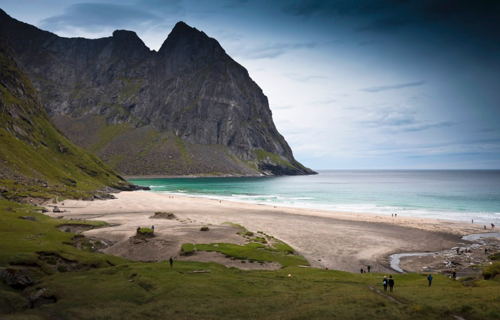 Ryten Kvalvika Beach Lofoten