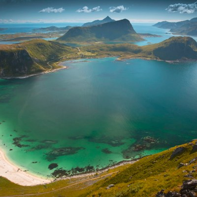 Hike to Mannen – a stunning viewpoint over Haukland Beach in Lofoten