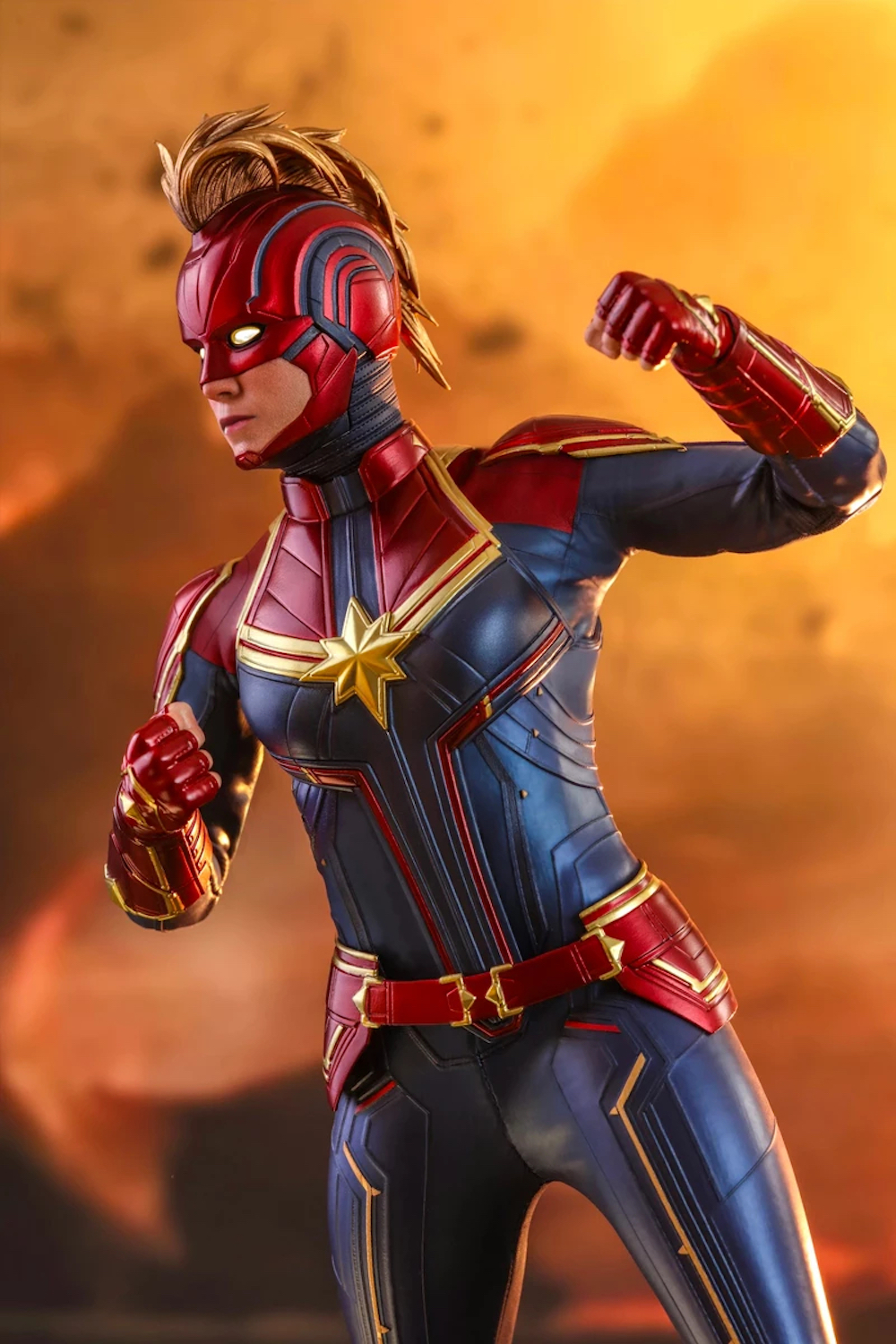 Detailed Designs Hot Toys 16th Scale Captain Marvel