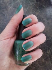 green ombre nails - beauty lust