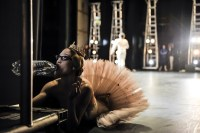 Alicia Amatriain half in the wings during (!) the performance of Le Grand Pas de deux.....