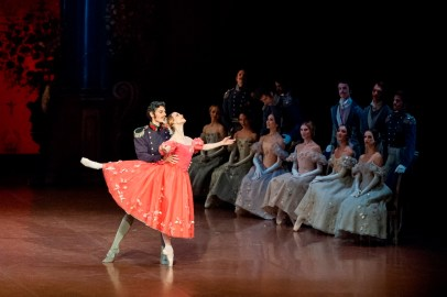 Alicia Amatriain, Damiano Pettenella in the Gremin pas deux of the third act