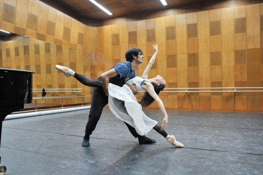 Last rehearsal in Tokyo before their Romeo and Juliet-debuts: Miriam Kacerova and Constantine Allen