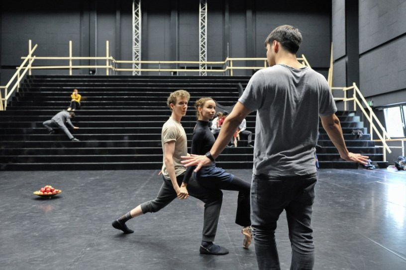 Miriam Kacerova and Alexander Mc Gowan with Demis Volpi in a rehearsal for Salome