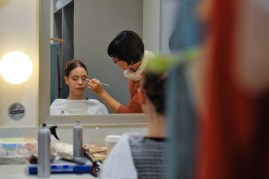 Make up artist Jenny Drechsler-Vogel turning Elisa Badenes into Juliet