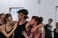 Pablo von Sternenfels as Mercutio with Ami Morita and Magdalena Dziegielewska as Gypsies