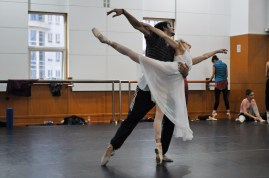 Alicia Amatriain and Constantine Allen as Juliet and Romeo