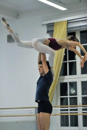 Alicia Amatriain and Fabio Adorisio in a rehearsal of Dark Glow