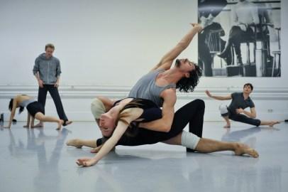 Elisa Badenes, Pablo von Sternenfels rehearsing Sidi Larbi Cherkaoui's Faun (in the background: Agnes Su, Adam Russell-Jones, Louis Stiens)