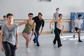 Rehearsal for Marco Goecke's Le Spectre de la Rose: Fernanda de Souza Lopez, Matteo Miccini, Roger Cuadrado, Rolando D'Alesio, Agnes Su, Kieran Brooks, Noan Alves
