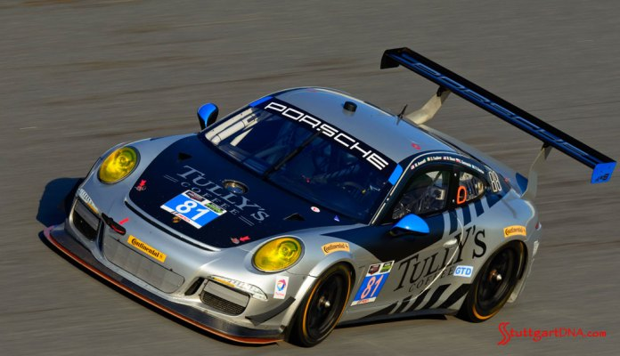 Porsche Motorsport 2015 Daytona 24 preview: The No. 81 Porsche 911 GT America testing on the Daytona banking, 2015