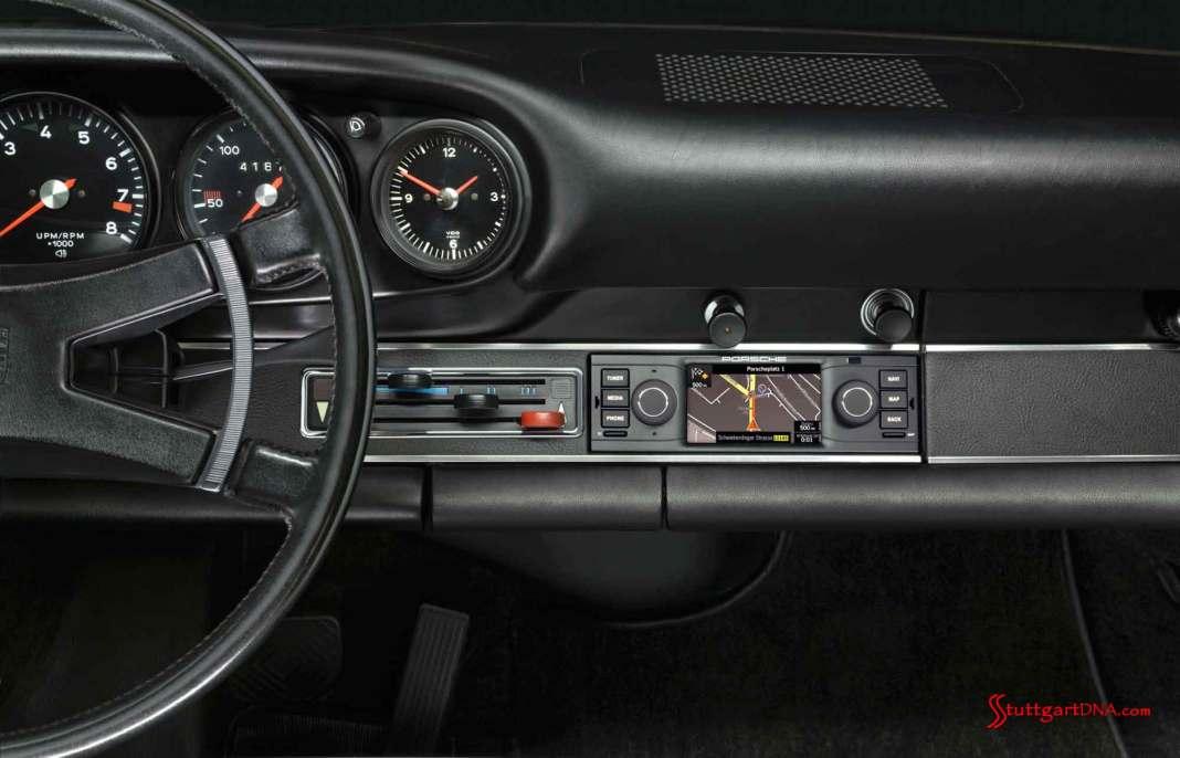 Porsche Classic releases navigation radio: Porsche Classic's new navigation radio is seen here in the dash, in wide angle. Credit: Porsche AG