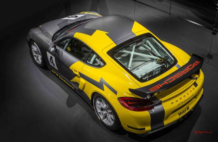 Cayman GT4 Clubsport 2015 LA debut: GT4 Clubsport LA debut high left-rear angle. Credit: Porsche AG