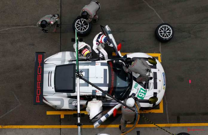 Porsche 911 RSR wins 2015 WEC China race: Overhead view of No 91 in 2015 WEC China pits. Credit: Porsche AG