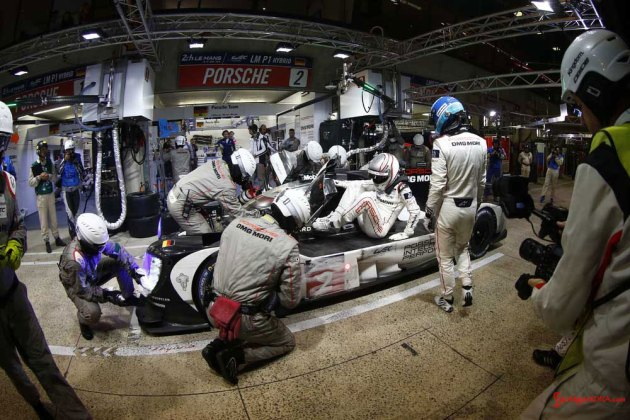 Porsche garners 18th overall win at 84th Le Mans 2016: No. 2 919 in pit driver change. Credit: Porsche AG