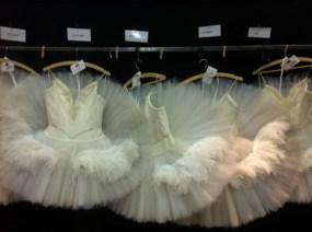 """Japan-Gastspiel, """"Schwanensee"""": Die Kostüme ohne Schwäne..., Foto: Stuttgarter Ballett"""