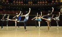 China-Gastspiel, morgendliches Training auf der Bühne, Foto: Roman Novitzky