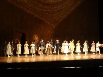 Die nächste Besetzung von Onegin, die nach erfolgreichen Debüts gefeiert wurde: Roman Novitzky, Elisa Badenes, Marijn Rademaker, Elisabeth Wisenberg, David Moore and Ensemble