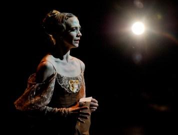 Alicia Amatriain als Tatjana (Nachmittagsvorstellung am Samstag).