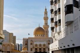Direkt gegenüber vom Hotel liegt eine kleine aber sehr schöne Moschee.