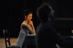 Sue Jin Kang in der Bühnenprobe mit Alastair Bannerman am Klavier.