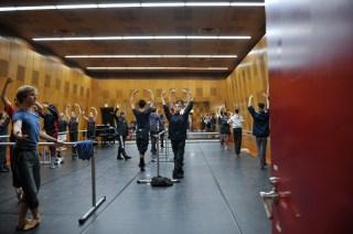 Training am Vorstellungstag im Ballettsaal des Bunka Kaikan Theaters
