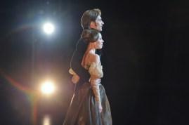 Nach der Vorstellung: Elisa Badenes und Friedemann Vogel vor einem begeisterten Publikum in Osaka!
