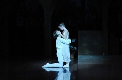 Bühnenprobe für die zweite Vorstellung: Elisa Badenes als Julia und David Moore als Romeo