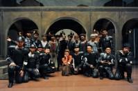 Gruppenfoto: Angelika Bulfinsky und die Statisten aus Beijing