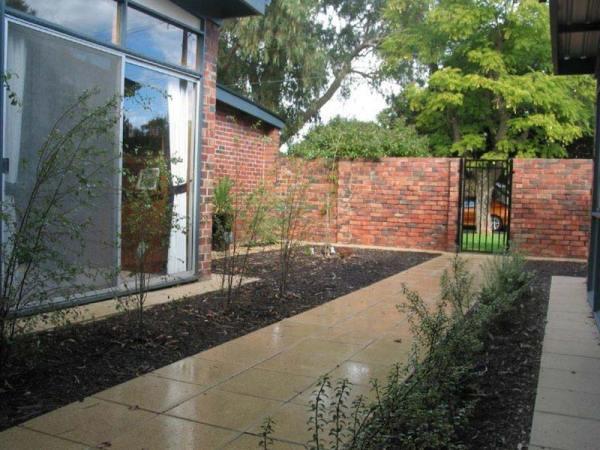landscaping bricks walkways