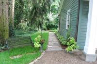 How to make an apply unique Side yard landscaping ideas ...